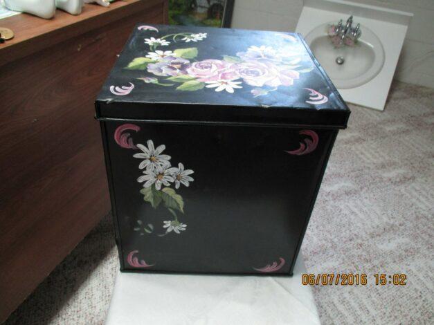 FACB-1 Antique Cracker Box