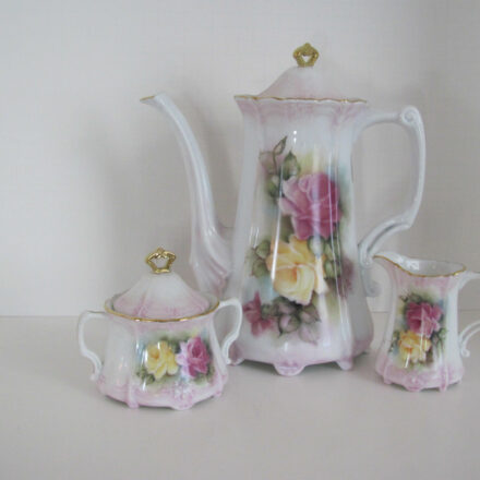 TEA POTS, TEA SETS, CHOCOLATE & COFFEE SETS